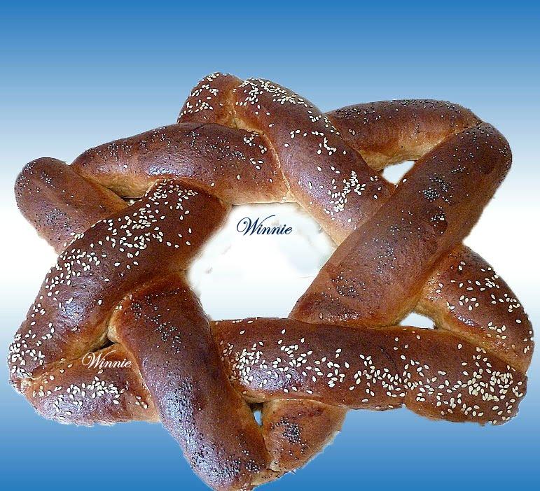 Magen-David (star-of-David) shaped Challah and Rolls