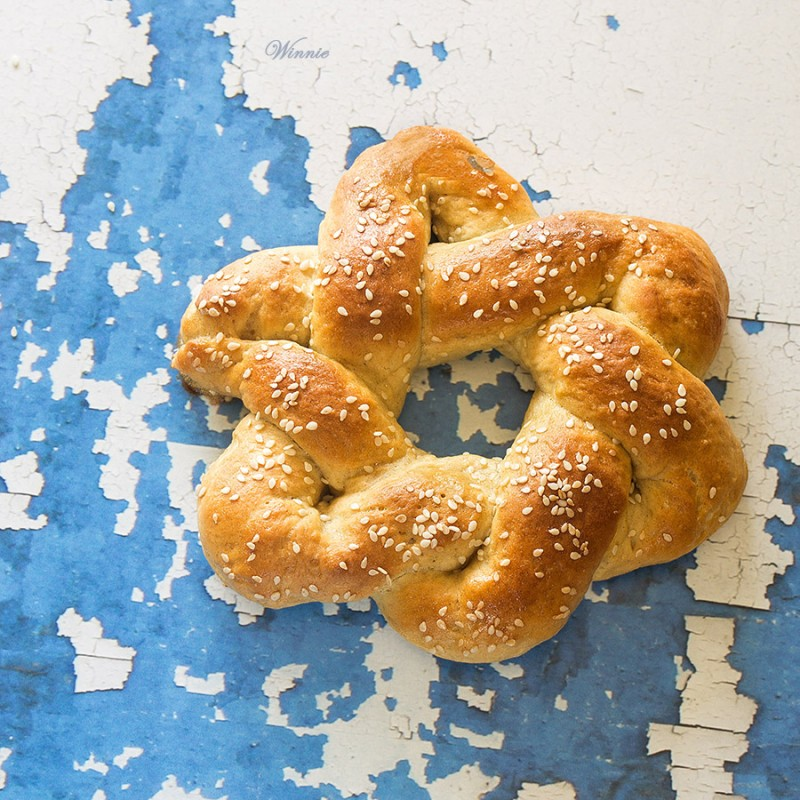 https://winnish.net/breads/challah-and-roll/