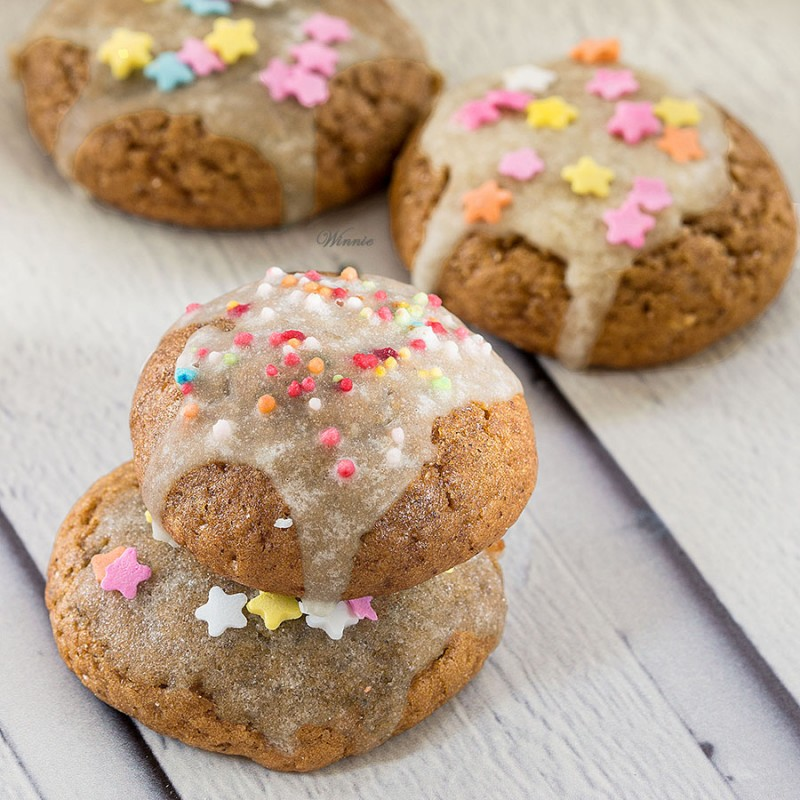 Soft Date-Syrup / Honey Cookies