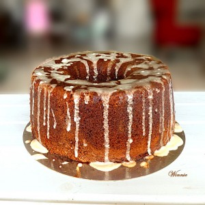 Date-syrup Cake with Lemon glaze