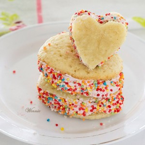 Heart shaped Raspberry Whoopie Pies