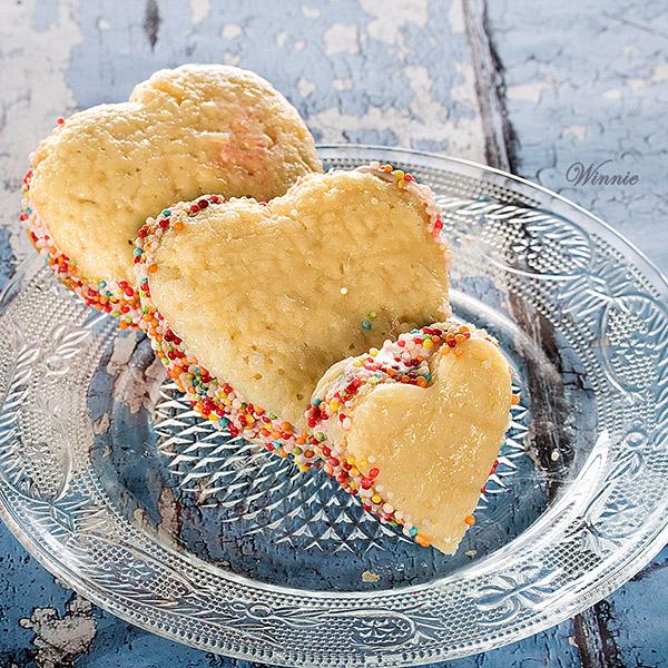 Heart shaped Raspberry Whoopie Pies