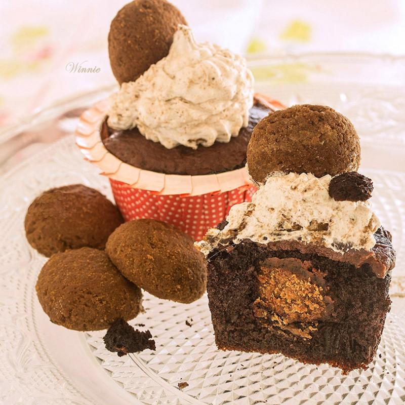 Surprise Cookie-Stuffed Cupcakes