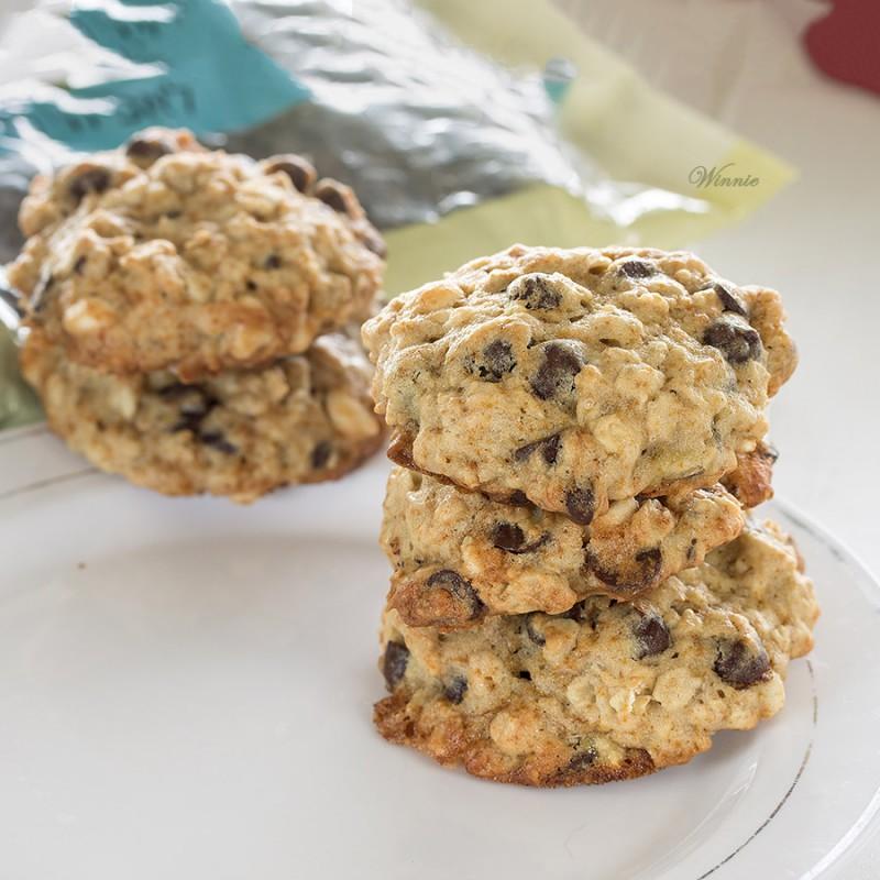 Chocolate-Chip Oats Banana Cookies