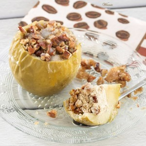 Baked Cheesecake-Stuffed Apples