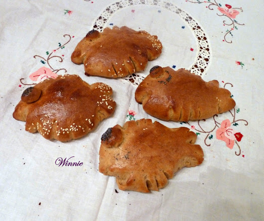 Fish-shaped Challahs and Rolls
